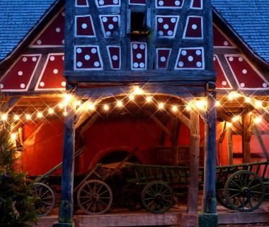 Maison décorée - Noël - Ecomusée d'Alsace